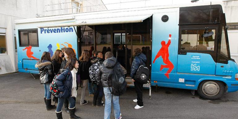 Le bus bus Prévention Santé sillonne le Val-de-Marne