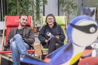 l'auteur Stéphane Servant et l'illustratrice Laetitia Le Saux lors de la présentation de l'exposition