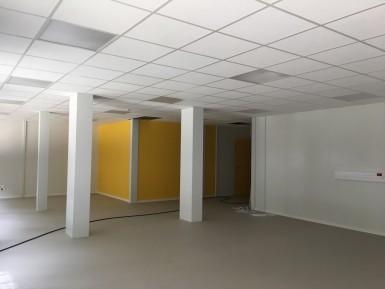 L'intérieur d'une future classe du collège temporaire