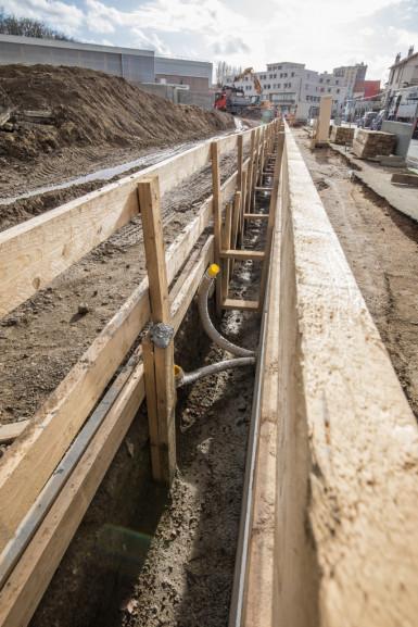 Le long du parc du Coteau à Arcueil, chantier de réouverture de la Bièvre