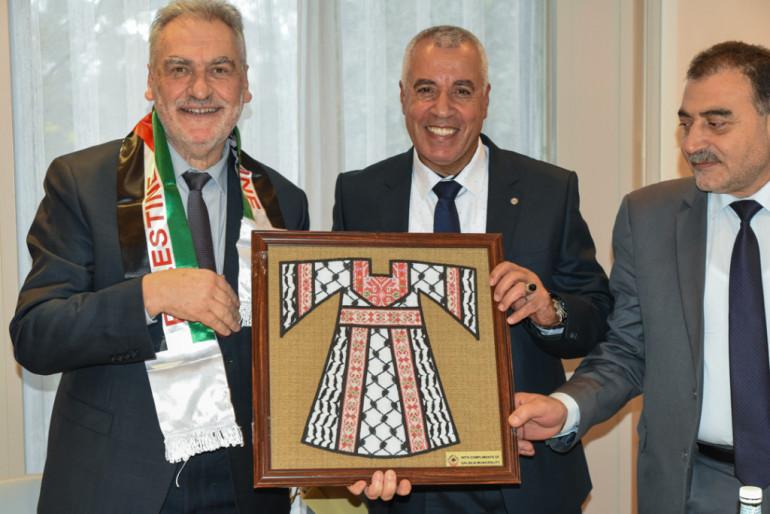 Célébration des 20 ans de la coopération internationale avec la Palestine : rencontre avec le Président et déjeuner au pavillon du parc du Rancy (©Jean Moulin)