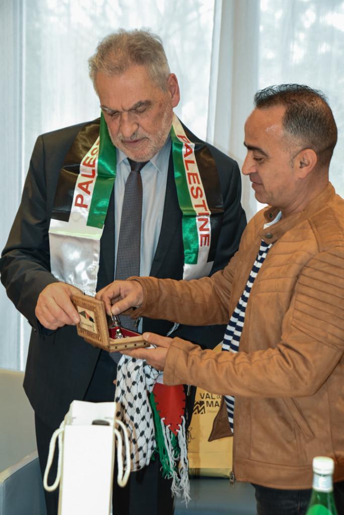 Célébration des 20 ans de la coopération internationale avec la Palestine : rencontre avec le Président et déjeuner au pavillon du parc du Rancy(©Jean Moulin)