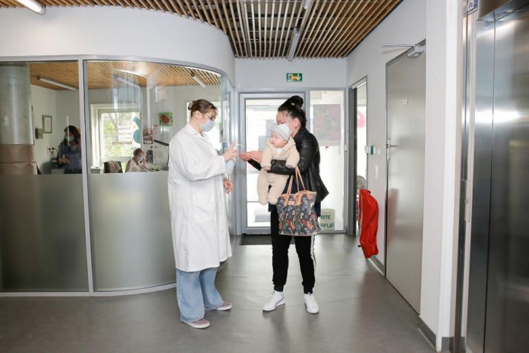 Déconfinement : le port du masque est exigé en centre de PMI ; crédit photo : Agnès Deschamps