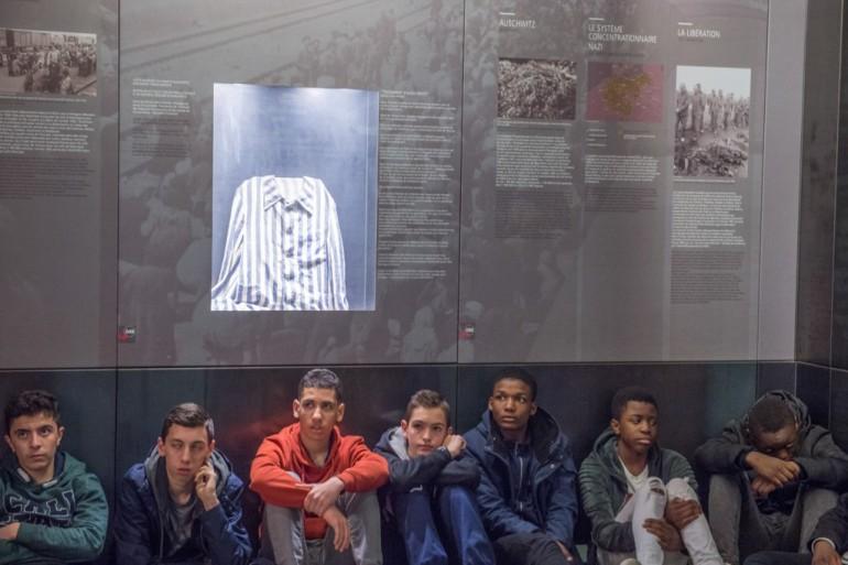Des collégiens au camp des Milles ©M. Lumbroso