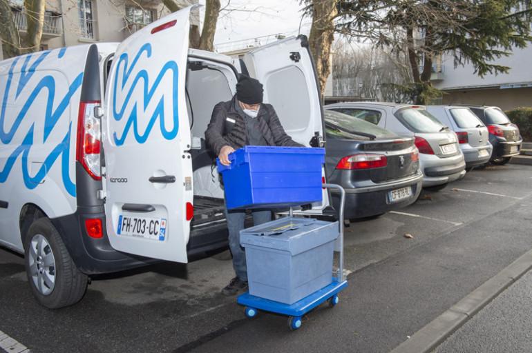 1. Livraison des vaccins dans une résidence autonomie de Villejuif