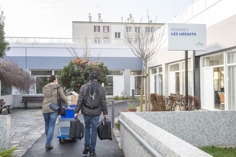 2. Livraison des vaccins dans une résidence autonomie de Villejuif