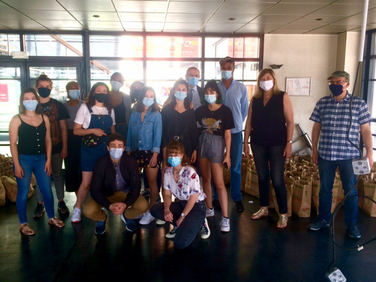 Distribution solidaire pour les étudiantes et étudiants de l'UPEC, le 27 mai 2020