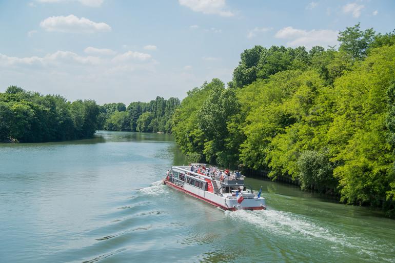 Vue des bords de Marne en été ; crédit photo : Eric Legrand
