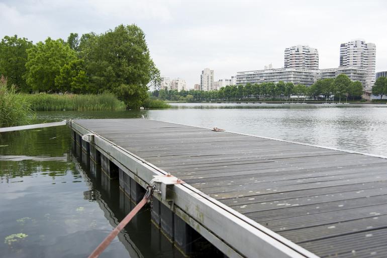 Base de loisirs sur le lac de Créteil ; crédit photo : Michael Lumbroso