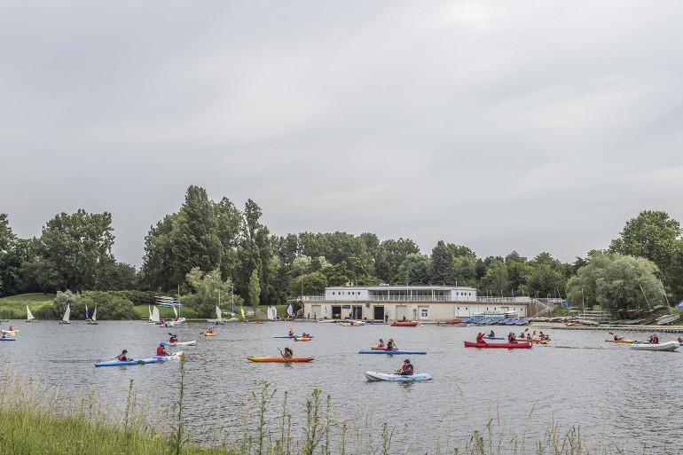 Base nautique au parc interdépartemental des sports à Choisy-le-Roi ; crédit photo : Michaël Lumbroso