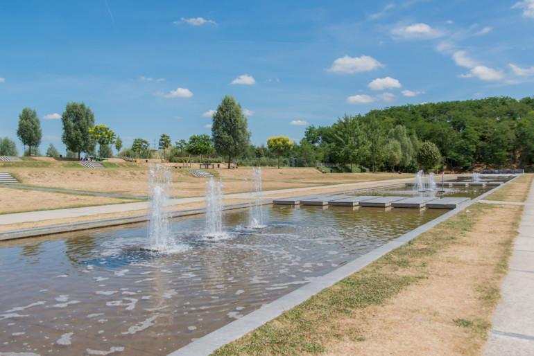 Jeux d'eau, parc de la Plage-Bleue ; crédit photo : E. Legrand