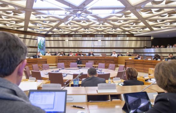 Intérieur de la salle du Conseil à l'Hôtel du Département
