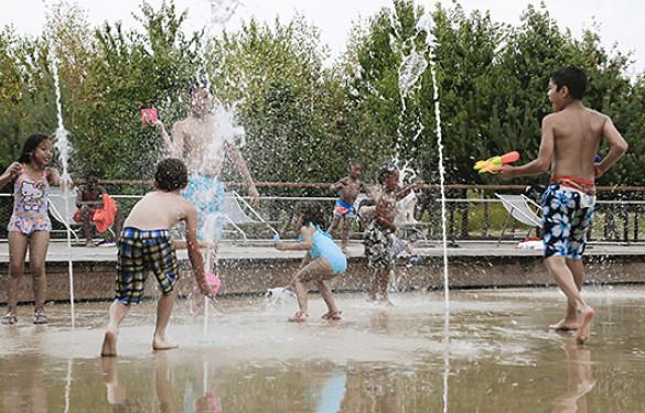 Jeux d'eau dans les parcs départementaux du Val-de-Marne