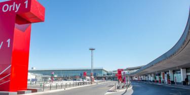 Aéroport d'Orly désert pendant le confinement, 30 mars 2020 - crédit photo : M. Lumbroso