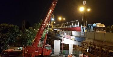 Pont de Choisy : pose de la passerelle piétonne en juillet 2018.