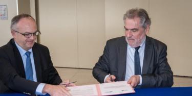 Cette convention valable 5 ans précise les rôles de la société du grand paris - SGP - et du Conseil général dans le cadre des travaux pour la réalisation du Grand Paris Express.