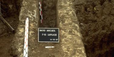 Archéologie : Portion de l'aquecduc antique découverte lors d'un diagnostic archéologique avenue Laplace en 1997.
