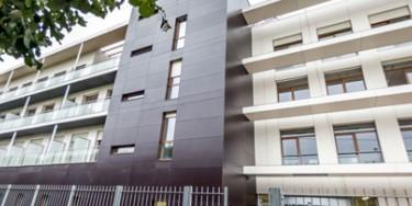 L'immeuble de 2 775 m² de surface est conforme aux critères