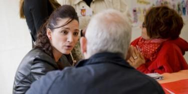 Les forums emplois permettent de discuter directement avec des recruteurs et formateurs.