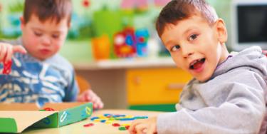 Enfants en situation de handicap à l'école