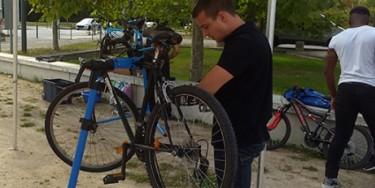 Auto-réparation de vélo