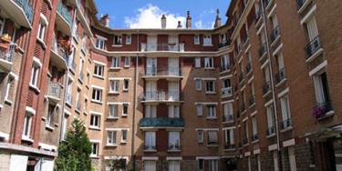 Construit en 1933, cet ensemble immobilier de 248 logements se situe à proximité du centre-ville, photo Logial OPH